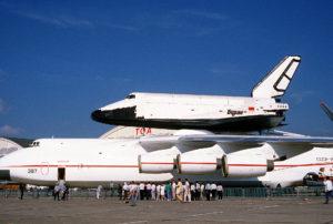 Trasporto del Buran nel 1989 da parte dell'An-225