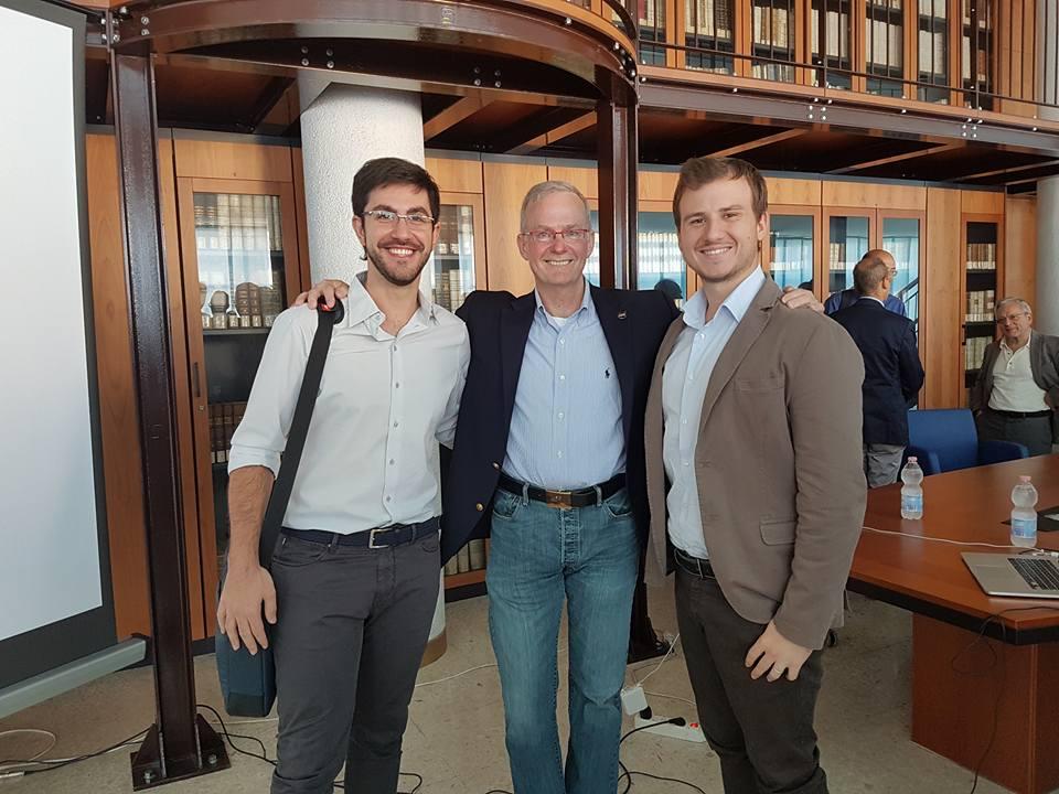 Da sinistra a destra: Daniele Vangone (Presidente di EUROAVIA), Roger Hunter (Principale responsabile della missione Kepler), Gianmarco Valletta (Caporedattore Aerospace di Close-up Engineering). Credits: Close-up Engineering.