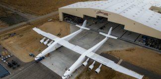 Stratolaunch: Il nuovo aereo più grande del mondo